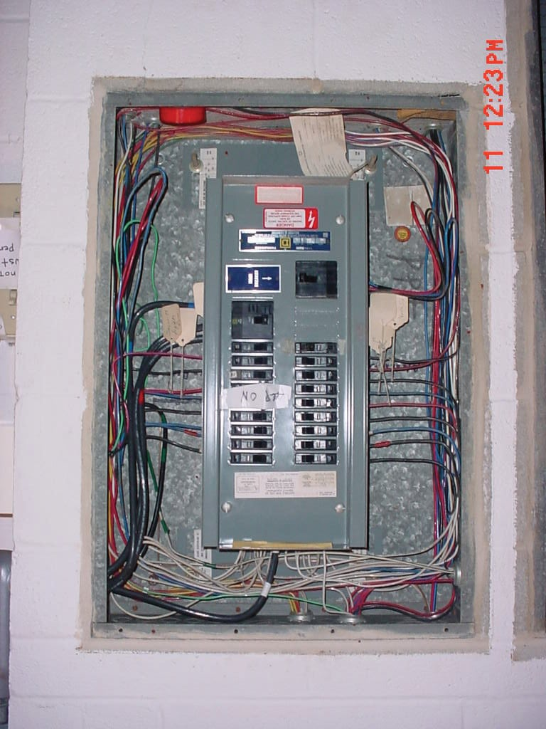 Case Studies Of Emi Elimination And Ground Noise Reduction Using Load Center Wiring Diagram Moreover 200 Service Panel Electrical Subpanel Used To Power The Electronic Hid Lights For Colleges Gymnasium