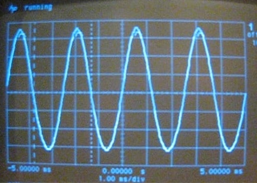 Figure 1 800 Hz ripple on scope snapshot